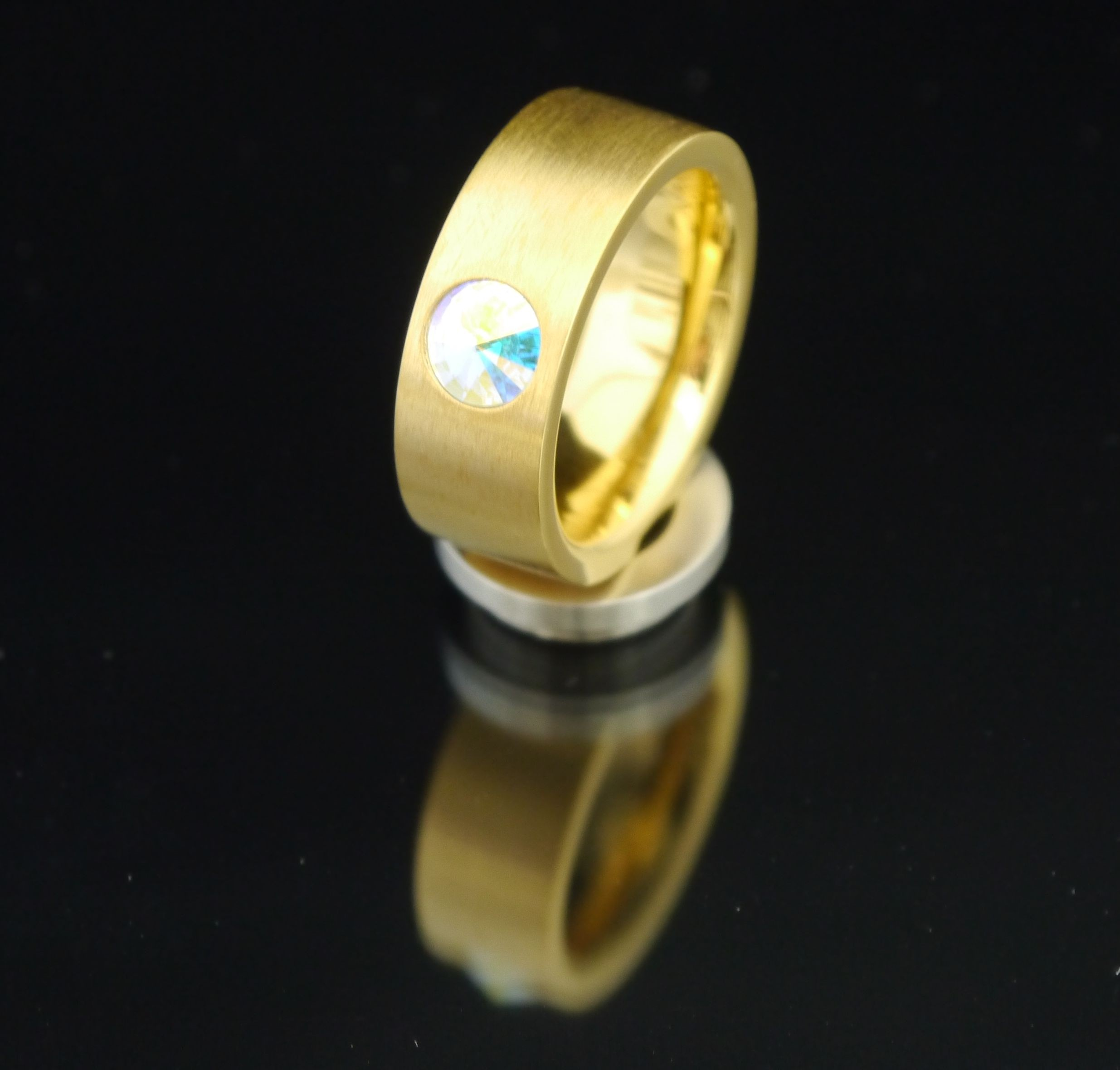 8mm PVD Gold Edelstahlring mit Swarovski Elements Fb. Crystal Aurore Boreale