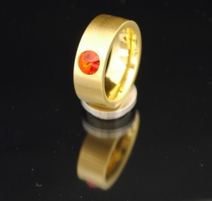 8mm PVD Gold Edelstahlring mit Swarovski Elements Fb. Siam light